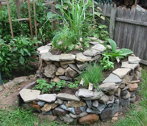 Come utilizzare i sassi dell 39 orto come fare orto for Garden rockery designs